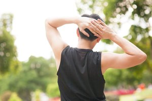 How to Strengthen & Stretch for an AC Shoulder Injury