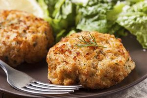 How to Cook Prepared Crab Cakes