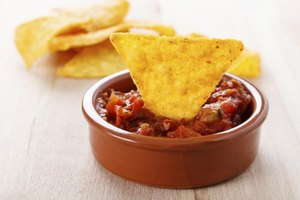 How Many Calories Are Tortilla Chips & Salsa Dip?