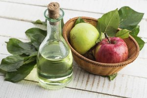What Are the Dangers of Ingesting Too Much Vinegar?