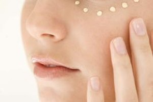 Nurturing Under Eye Skin Care for Sensitive Skin