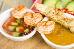 How Many Calories Are in Peanut Sauce?