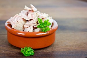 Are Canned Salmon & Tuna Good Sources of Omega-3?