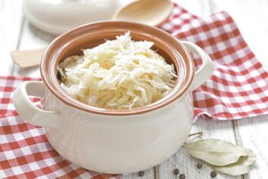 What Are the Benefits of Raw Sauerkraut?