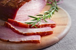 How Many Calories Are in Smoked Ham?