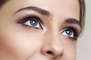 how to make eyelashes grow back faster