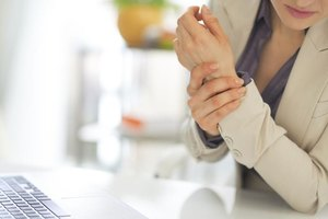 How to Know If Left Arm Pain Is Heart Related