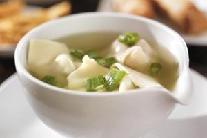 Calories in Egg Drop and Wonton Soup