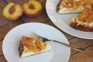 How to Make an Easy Peach Pie With Canned Peaches