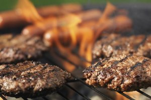 How to Keep Your Hamburger From Shrinking on the Grill