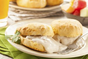 Calories in a Biscuit With Gravy