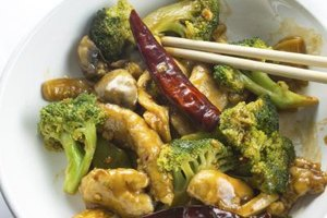 How Many Calories Are in a Chicken & Broccoli Chinese D…