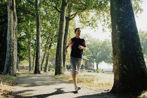 how to avoid chest pain while running