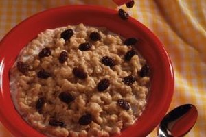The Calories in Oatmeal With Brown Sugar