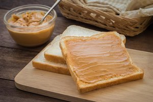 How to Introduce Peanut Butter to a Toddler