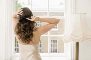 What Are the Causes of Weak Hair in Women?