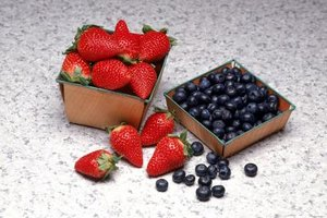 Nutritional Values of Blueberries & Strawberries
