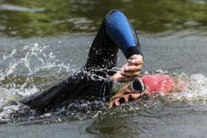 Ear Symptoms of Dehydration During Ironman