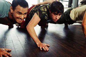 The Difference Between Standard Pushups and Military Pu…