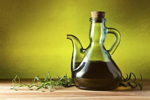 What Is the Difference Between Olive Oil & Sunflower Oi…