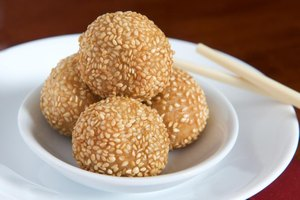 Nutritional Facts on Sweet Sesame Seed Balls