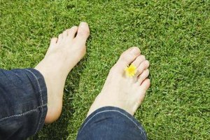 How to Stop the Pain of a Jammed Big Toe
