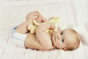 How Much Weight Should a Baby Gain Per Week & Per Day?
