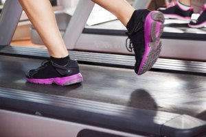 Why Do My Heels and Ankles Hurt on the Treadmill?