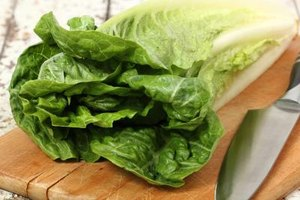 What Are the Health Benefits of Romaine Lettuce?