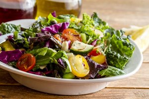 How to a Make a Red Wine Vinaigrette