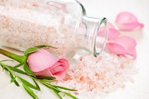 What Are the Benefits of Salt Scrubs?
