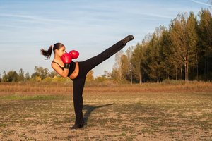 How to Learn Kickboxing Online for Free