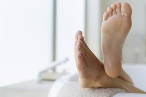 How to Take a Hot Shower to Peel Skin Off the Feet