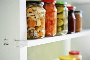 Are Pickled Vegetables Allowed on a Raw Diet?