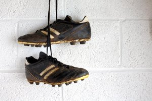Metal vs. Plastic Cleats