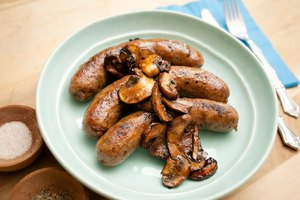 How to Cook Raw Bratwurst