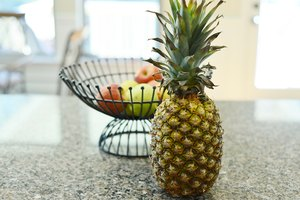 How to Juice Pineapple