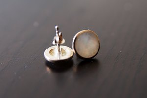 How to Sanitize Earrings