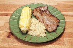 How to Cook Corn on the Cob in the Oven, the Microwave …