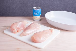How to Bake Chicken Breasts in Cream of Chicken Soup