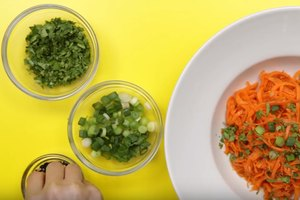 How to Make Low-Carb Carrot Noodles With a Spicy Asian …