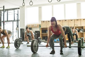 6 Training Splits to Help You Conquer Your Workout Plat…
