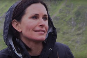 Courteney Cox's New Motto Inspires Us to Age Gracefull…