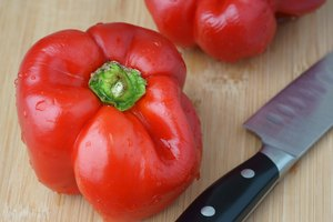 How to Keep Peppers Fresh After Cutting