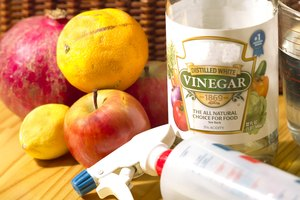 How to Clean Fruits & Vegetables With Vinegar