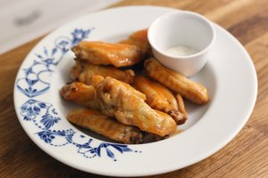 How to Cook Chicken Wings in a Convection Oven