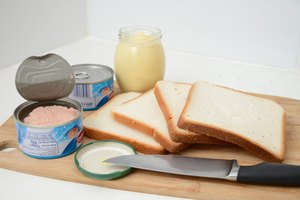 The Healthiest Way to Make a Tuna Sandwich