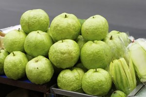 How Do Guavas Affect Blood Sugar?