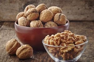 Should You Eat Walnuts or Almonds for Omega-3?