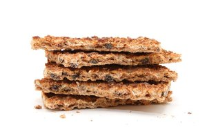 Can You Eat Crackers on a Low-Carb Diet?